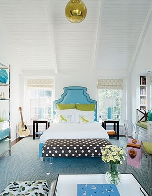 Liking the headboard and the the green and turquoise combo.