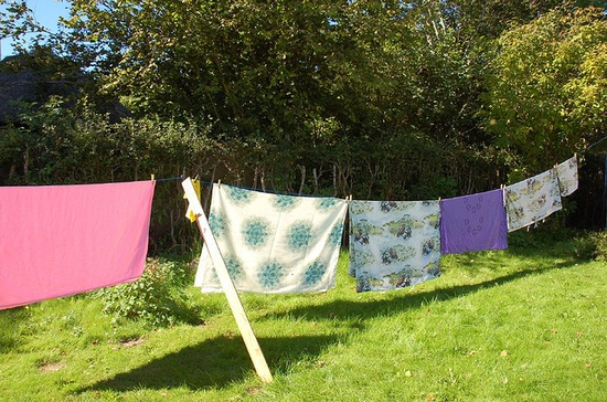 Washing line with prop
