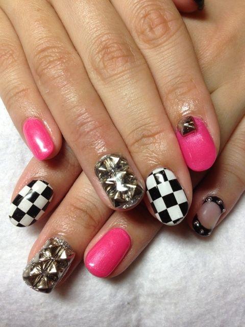 Ska days.  Nail Art Manicure.
