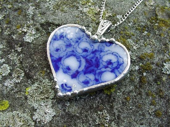 Broken china jewelry heart pendant by dishfunctionldesigns on Etsy,