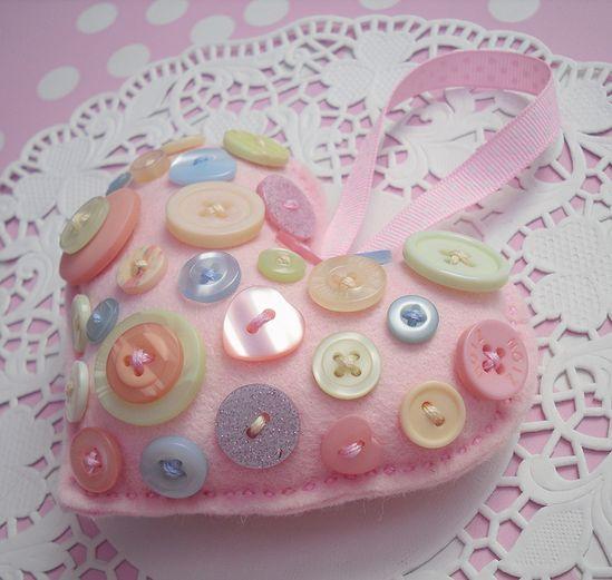 sweet button heart