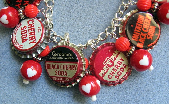Cute, cute cherry soda top charm bracelet!