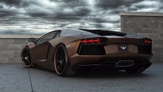 Lamborghini Aventador replacing the 10 year old murcielago certainly pulls off the chocolate colour!