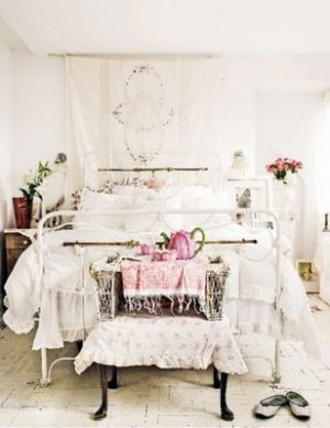 Shabby chic - Luscious bedroom boudoir w - ideasforho.me/... -  #home decor #design #home decor ideas #living room #bedroom #kitchen #bathroom #interior ideas