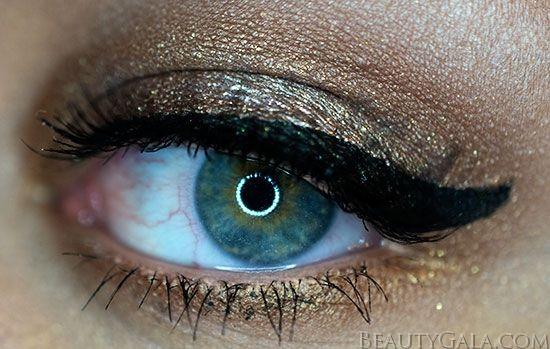 Glittering gold eye makeup