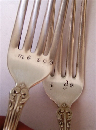 Bride and Groom Forks. Vintage Wedding Cake Reception Set. custom personalized handstamped. $28.00, via Etsy.   I LOVE THIS SITE:)