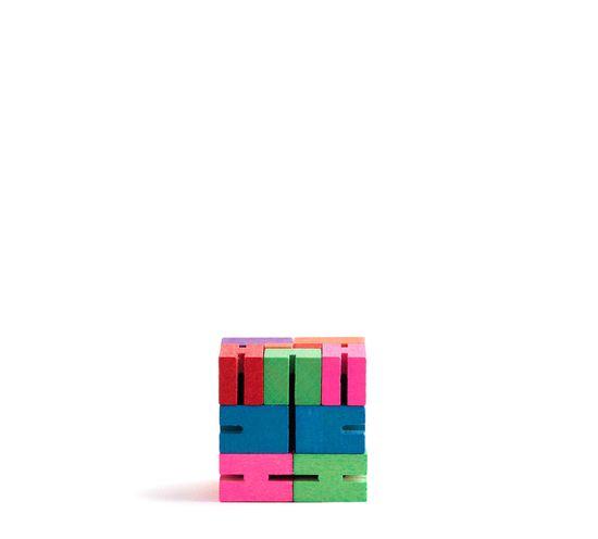 fun kid toy / The Cubebot