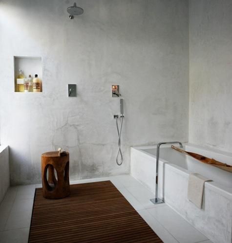 A bath in Los Angeles by