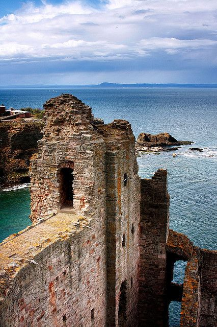 Tantallon Castle, built in 14th century, North Berwick, Scotland