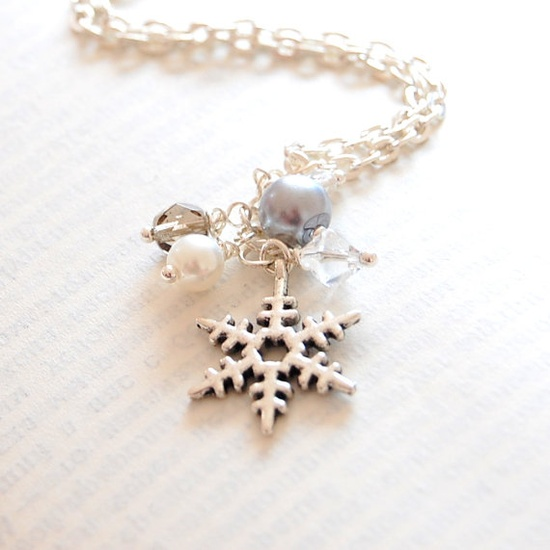 Silver Snowflake Necklace Christmas Jewelry by JujuTreasures, $15.00