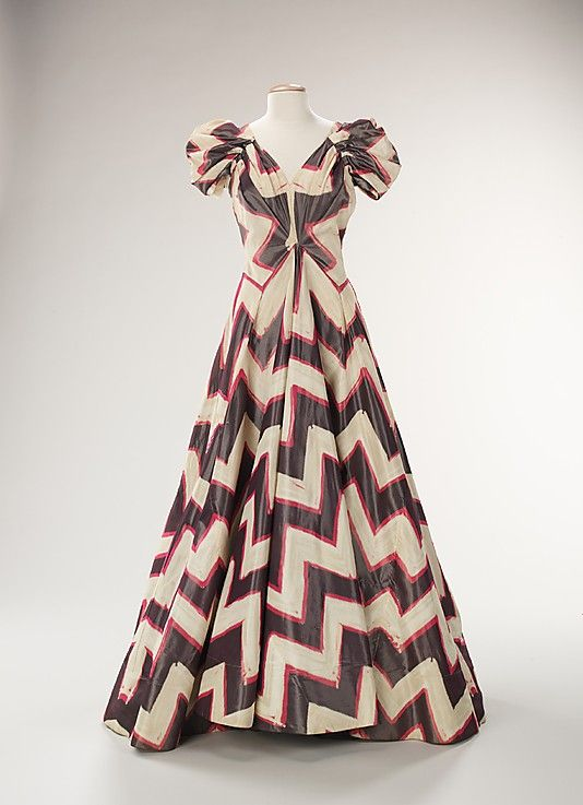 Dress, Evening.  House of Worth  (French, 1858–1956).  Designer: Roger Worth (French, born 1908). Date: ca. 1938. Culture: French. Medium: silk. Dimensions: Length at CB: 52 in. (132.1 cm).