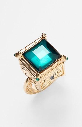 << emerald statement ring >>
