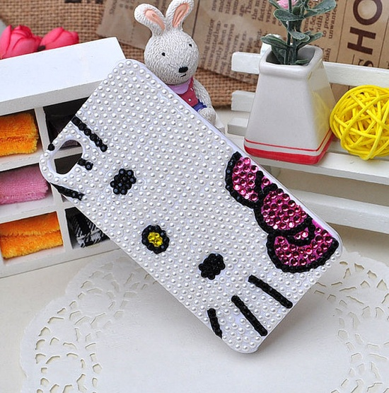 Hello Kitty iPhone case. Too cute!