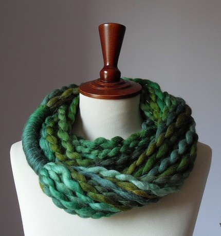 just bought this gorgeous scarf from Silvia66 on etsy!