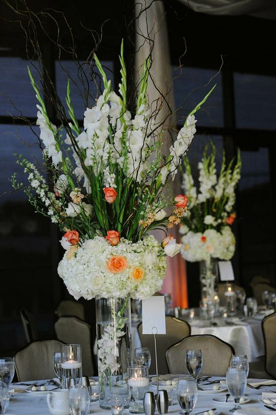 Striking wedding flower arrangements