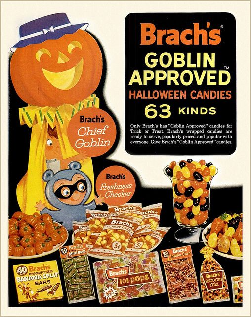 What a fabulously fun Halloween candy ad from the early 60s. Love the ultra cute raccoon costume! #kids #costume #Halloween #retro #vintage #ad #candy #pumpkin #1960s #sixties