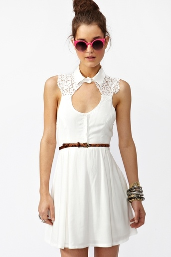 aster lace dress.... Love the dress not so much everything else!!?