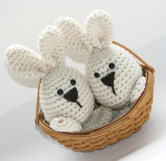Easter bunny crochet amigurumi