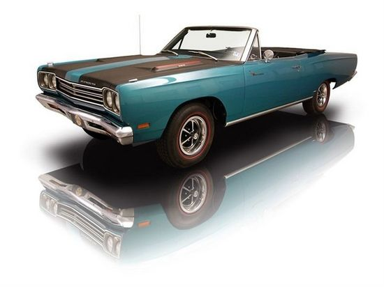 1969 Turquoise Plymouth Road Runner Convertible 383 V8. Source: RK Motors Charlotte.