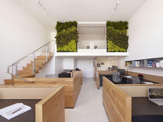 The Offices of Buck O'Neill Builders / Jones