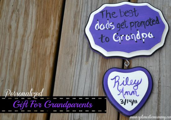 Looking for a DIY gift for grandparents?  Check no further than this wooden plaque!