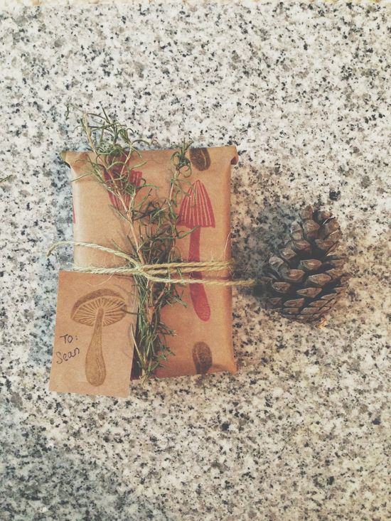 holiday diy gift wrapping & gift tags aquariansouldesig...