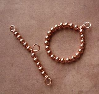 How To Make A Beaded Toggle and Bar Clasp.  #wire #jewelry #tutorial #clasp