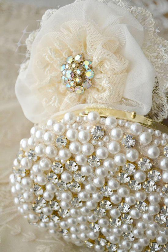 Cream Gillyflower - Handmade Flower Brooch