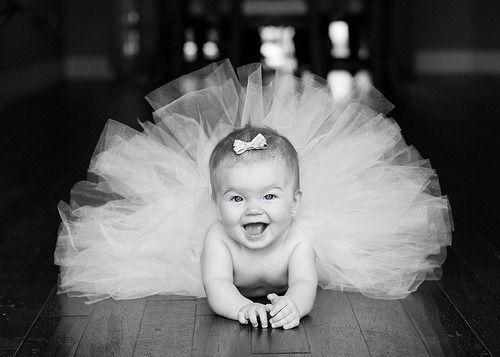 baby girl + tutu... love this!