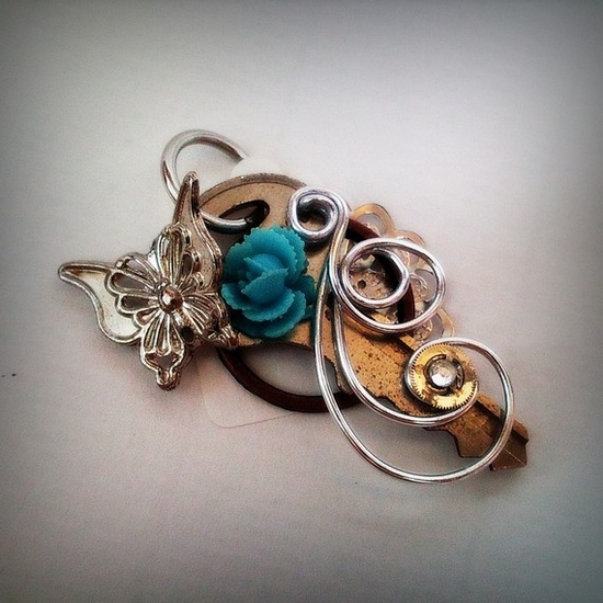 - Steampunk Key Pendant