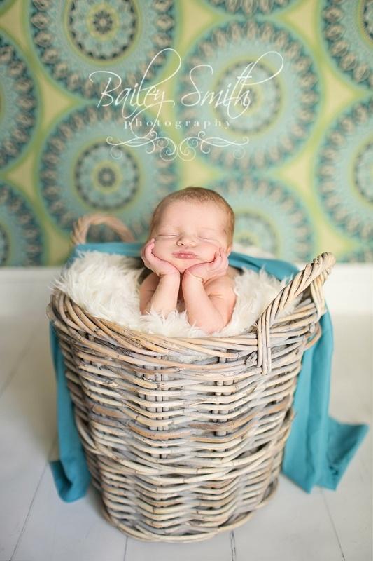 newborn photo. Love this!!