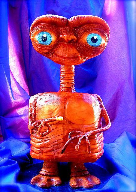E.T. cake