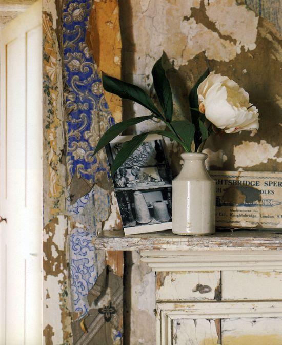 19th century wallpaper still clings