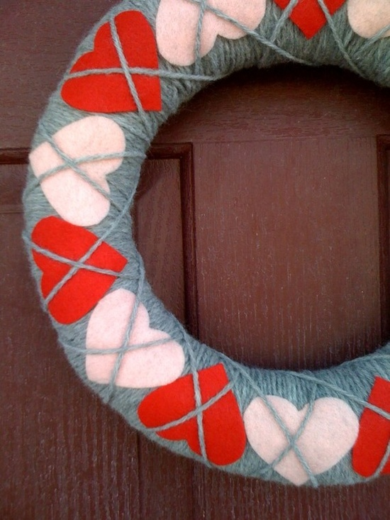 Valentine Yarn Wreath Argyle Hearts