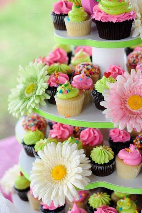 lime and pink cupcake #Green Collections