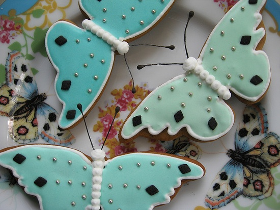 Elegantly pretty Butterfly Gingerbread Cookies in shades of Tiffany blue. #food #butterflies #cookies