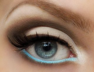 Line your bottom waterline with an unexpected color.... This is one of my favorite personal looks lately.
