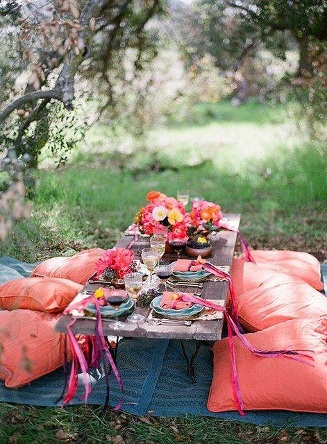 fun table and pillows for an outdoor reception #wedding