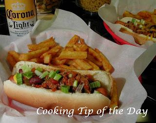 Cooking Tip of the Day: Recipe: Chili Dogs