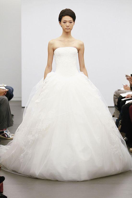 Vera Wang's Classic Fall 2013 Bridal Collection