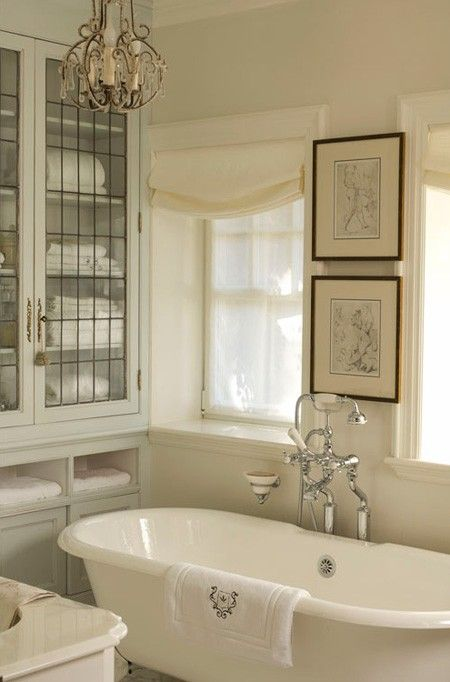 love this traditional bathroom with free standing tub
