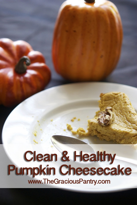 Crustless Pumpkin Cheesecake.   Only 82 calories per serving!  #cleaneating #cleaneatingrecipes #eatclean #healthyrecipes #recipes #dessert #dessertrecipes