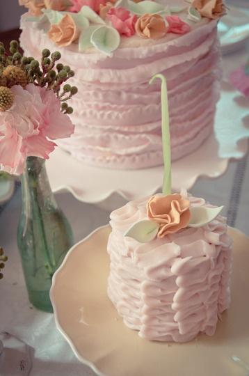pastel pink mini cake ?