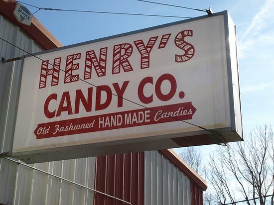 Henry's Candy Co., Dexter, KS