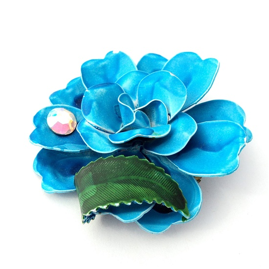 Such a vibrant, wonderfully pretty 1960s enamel blue rose brooch. #vintage #jewelry #accessories #1960s #brooch #pin #flower