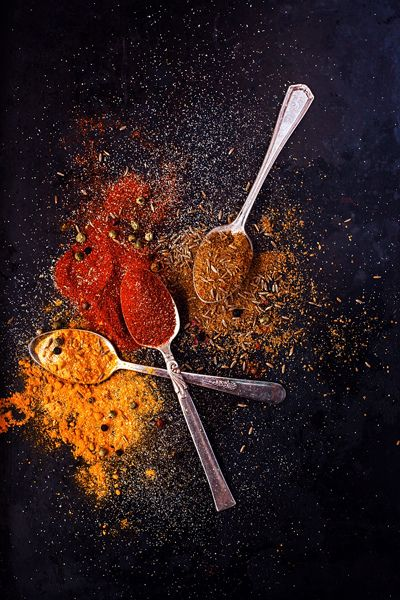 ? Dark background Food styling photography still life - Spices