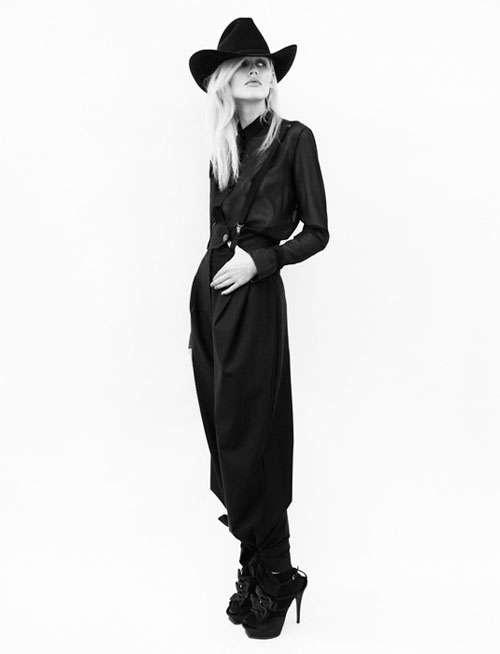 Midnight cowgirl #fashion #photography #boyfriend #editorial #moda #fotografía #hat