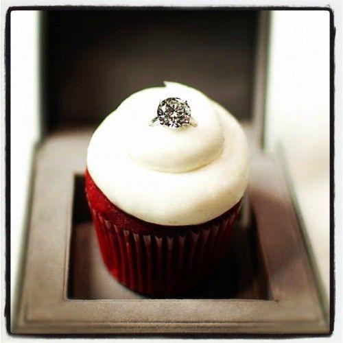 proposal cupcake. I would die.