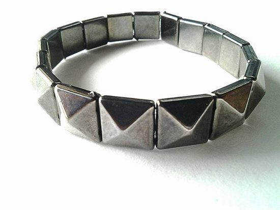 Valiant Efforts Handmade Jewelry website