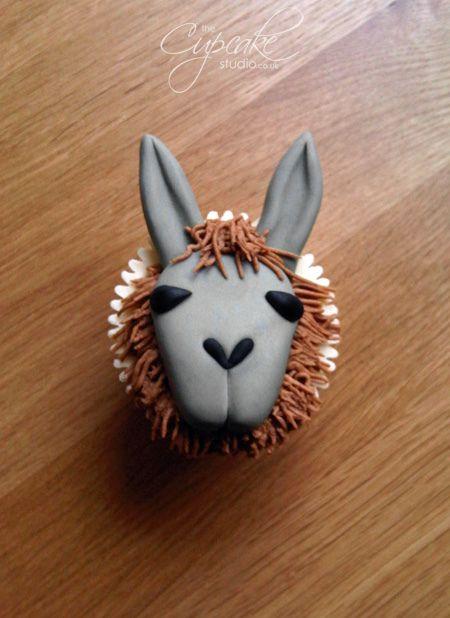 Unique Llama Cupcake by The Cupcake Studio, via Flickr @Amanda Devine.